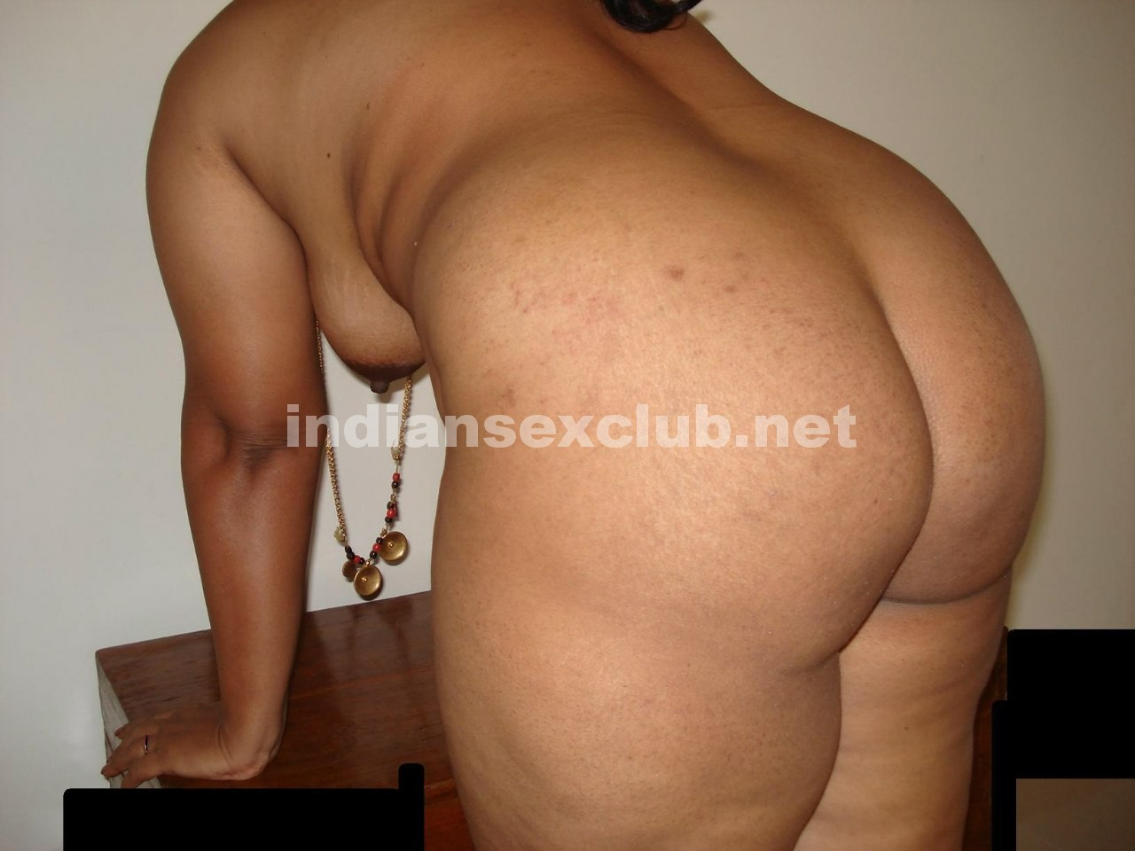 Sexy Nude Round Indian Ass xxx Pics