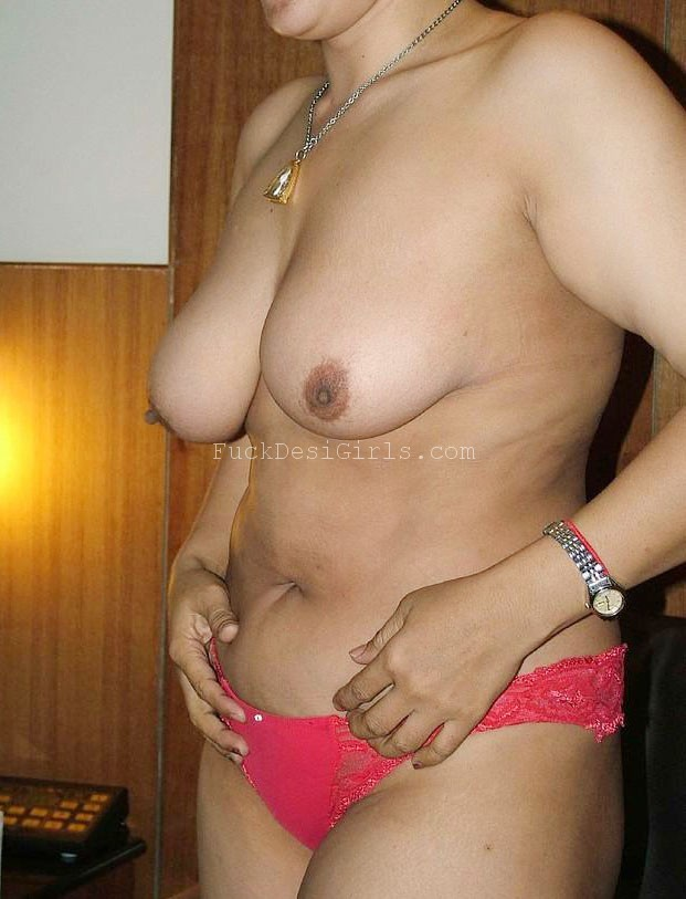 Notice this Desi Squirt Aunty