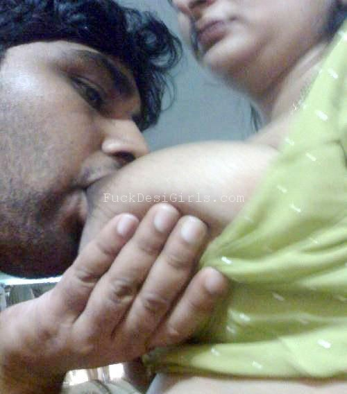 Hot mallu suchking image