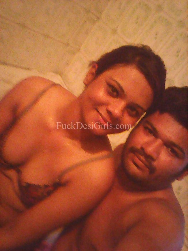 self mobile photo of nude indian girl