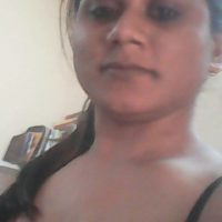 Desi mallu aunty showing big boobs