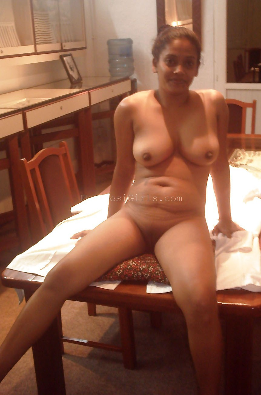 Desi nude in office