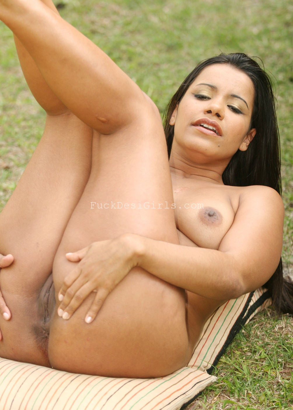 Screaming latina loves cock