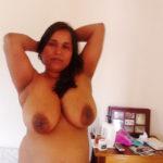 Big boob of old aunty