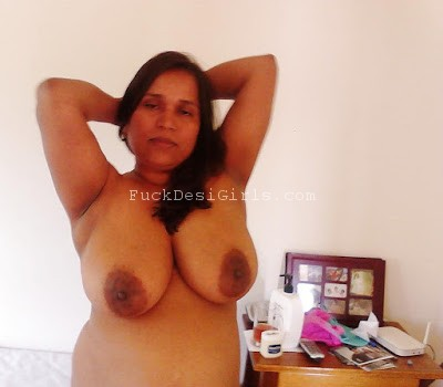 Mallu aunty boobs naked think