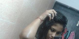 Sexy desi Bengali bhabhi nude Snapchat mirror selfie