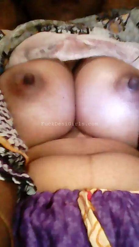 Dihati muslim ladki ki bade boobs aur chikni chut ki pics